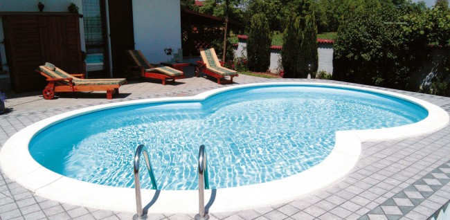 Beckenrandsteine achtformpool korallrot pool wellness for Pool innenfolie